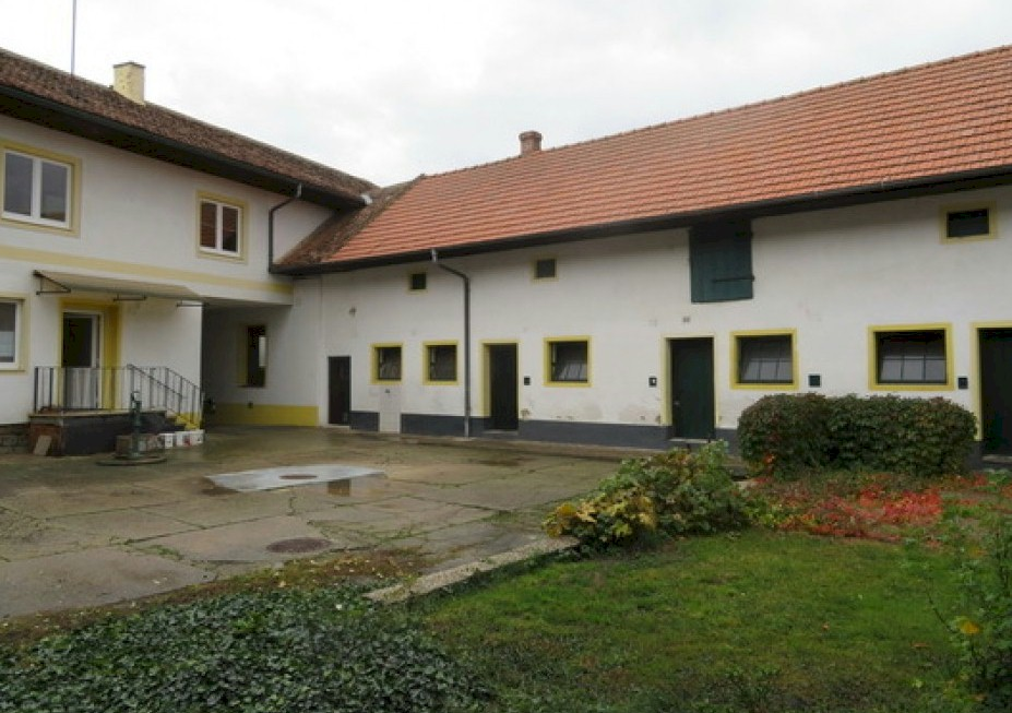 A large property for a comparatively low price in Großnondorf
