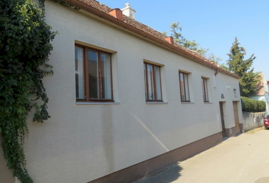 Attractive little holiday cottage for sale - Grafenberg
